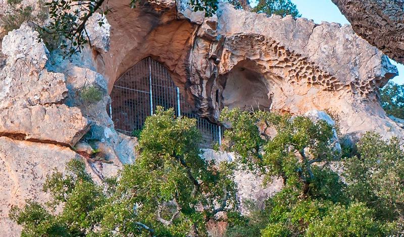 Nuevo FreeTour Cueva Las Bailaoras y Lago Sierpes